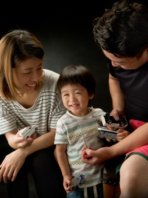 「2才のプレゼント」 日本写真館賞 入選 2014